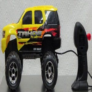 New Bright CHEVY TAHOE TRUCK Scale1:18 PRICE CHEAP